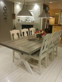 Agnes spisebord og Ronja benk i Shabby interiørbeis og hvitmalte ...