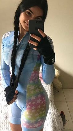 Bicycle Women, Road Bike Women, Bicycle Girl, Vintage Cycles, Female Cyclist, White Bralette, Cycling Girls, Cycling Outfit, Athletic Women