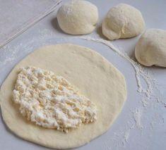 Találtunk egy receptet, ami jobb, mint a lángos. My Recipes, Cooking Recipes, Hungarian Recipes, Cooking Gadgets, Kefir, Sweet And Salty, Breakfast Recipes, Bakery, Food And Drink