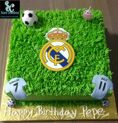 Soccer (Real Madrid Fan) Birthday cake Soccer Cakes, Sport Cakes, Boys First Birthday Cake, Birthday Parties, Torta Real Madrid, Cupcake Cakes, Cupcakes, Soccer Theme, Take The Cake