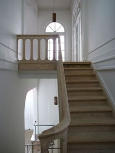 Hans Verstuyft Architecten, traditional staircase, natural wood, white walls --- This is my favorite banister I've ever seen! Entryway Stairs, Staircase Railings, Wooden Staircases, House Stairs, Stairways, Staircase Interior Design, Interior Architecture, Traditional Staircase, Painted Stairs