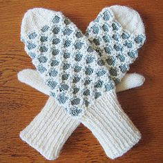 Newfoundland Mitts pattern by Gillian S. Hess