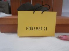 e0002655a95a XL-21 Miniature shopping bag Forever 21 great for Barbie or dollhouse  collectors