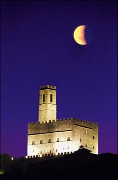 Castello di Poppi (Toscana, Italia)  Poppi castel (Tuscany, Italy)  #TuscanyAgriturismoGiratola