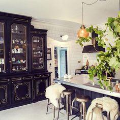 I love this kitchen | photo by Linda Alfvegren