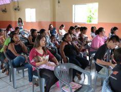 Alunos de diversas idades compareceram para aprender a culinária vegetariana  Escola de Culinária Vegetariana abre curso gratuito para a comunidade - Notícias Adventistas