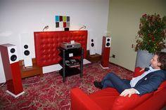 Genussvoll Musik hören auf der klangBilder Couch, Furniture, Home Decor, Listening To Music, Archive, Pictures, Settee, Decoration Home, Sofa