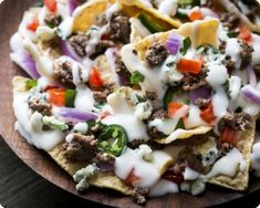 What do football, basketball and hockey fans have in common? They all love great… What do football, basketball and hockey fans have in common? They all love great game snacks – like these Beefy Blue Nachos. Best Appetizer Recipes, Best Appetizers, Mexican Food Recipes, Snack Recipes, Ethnic Recipes, Snacks Ideas, Sunday Recipes, Party Recipes, Cheese Recipes