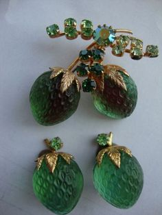 Rare Vintage Austria Satin Glass Brooch and Earring Set 1940/'s