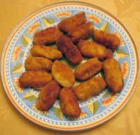 I love tapas.  I've made tortilla Espanola at home.  Now it's time to try my ultimate favorite...croquetas de jamon.