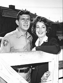 Andy Griffith and Julie Adams as the new county nurse from the television program The Andy Griffith Show. Julie Adams, Great Tv Shows, Old Tv Shows, Barney Fife, Don Knotts, Tv Icon, The Andy Griffith Show, Perry Mason, Television Program