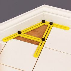 Measure and transfer angles The Angle-izer Instant Template is a series of slotted rulers held together with locking knobs to let you match angles and shapes. No need to make a special template, just set it in place, slide its four arms to conform to your project's angles, then tighten the knobs. Perfect for laying tile or flooring, ensuring proper angles on decks and patios, or fitting countertops to corners. Ideal for cutting pavers to fit curving walkways, etc. Made of rugged…
