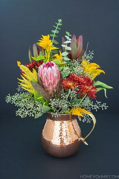 Flower recipe for a fall floral arrangement.
