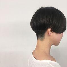 "69 Likes, 7 Comments - eminobeoka (@eimi_no) on Instagram: ""反対側 見えないケド、もみ上げも刈り上げてます〼〼 耳に髪の毛をチョットかけると可愛いです・・・❤︎…"""