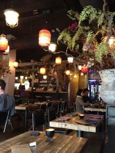 Little V - Vietnamese restaurant - LOVE IT! - All different kinds of great home made iceteas - (non)alcoholic cocktails - http://littlev.nl/?lang=en