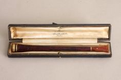 Early 20th Century Alfred Dunhill Cigarette Holder Amber Mouth 14C Gold Tip #AlfredDunhill