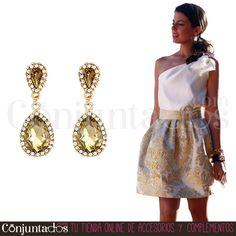Los #pendientes Carla quedan #impresionantes con #outfits de #fiesta ★ 11,95 € en https://www.conjuntados.com/es/pendientes/pendientes-largos/pendientes-carla-de-cristal-ambar-y-strass.html ★ #novedades #earrings #conjuntados #conjuntada #joyitas #lowcost #jewelry #bisutería #bijoux #accesorios #complementos #moda #fashion #fashionadicct #picoftheday #estilo #style #GustosParaTodas #ParaTodosLosGustos