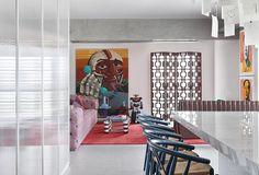 Curated | AU House //   #brasil  | Design: Studio Guilherme Torres | follow us on pinterest for more home decor ideas  ♥  coloresenmicasa | #colores #coloresenmicasa #micasa #decor  #decorate  #decorating  #decoratingideas  #interiordecor  #interiordesign #decoracion #decoración #decoracióninteriores #casa #ideasforhome #ideasdeco #decorando #decolover #apartment #architecture #livingroom #diningroom