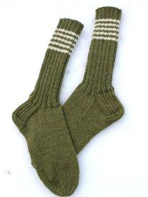 KARDEMUMMAN TALO: Metsänvihreää Socks, Crafts, Fashion, Moda, Manualidades, Fashion Styles, Sock, Fasion, Stockings