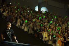 김현중 일본 요코하마·오사카 팬미팅 3만여명 환호 http://durl.me/79edw3 pic.twitter.com/U1YYeGmGvU