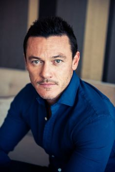 We Chatted With the Cast of The Girl on the Train: Luke Evans  http://coveteur.com/2016/10/04/the-girl-on-the-train-cast-interview/