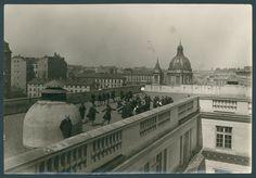 Uczennice na dachu Państwowego Gimnazjum Żeńskiego im. Królowej Jadwigi w Warszawie, 1924, źródło: Biblioteka Narodowa