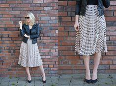 pleated midi skirt, suede pumps & leather jacket