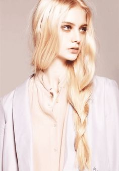 NastyaKusakina ロシアのモデルさん、 顔・体共に絶対的な黄金比率を持っている。