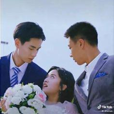 Korean Drama Funny, Korean Drama Best, Drama Gif, Drama Memes, A Love So Beautiful, Beautiful Moments, Mv Video, Goblin Kdrama, Cute Couples Kissing