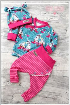 Besuche den Beitrag für mehr Info. Toddler Outfits, Kids Outfits, Baby Posters, Sewing For Kids, Love Sewing, Baby Princess, N Girls, Baby Kind, Baby Wearing