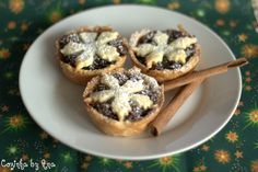 Start topped Mince Pies