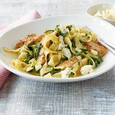 ESSEN & TRINKEN - Pasta mit Hähnchen und Gorgonzola Rezept