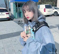 * ✲ ゚ * Hey hey hey! * ✲ ゚ * Hello to you little fan of BTS who goes through … Fanfiction # amreading # books # wattpad Mode Ulzzang, Ulzzang Korean Girl, Cute Korean Girl, Ulzzang Short Hair, Uzzlang Girl, Korean Aesthetic, Aesthetic Hair, Aesthetic People, Ulzzang Fashion