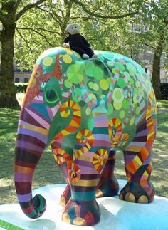 Mooch monkey at the London Elephant Parade - 210 Harapan.