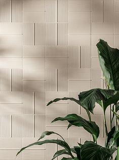 Segments tiles by Decoratori Bassanesi Wallpaper Interior Design, Interior Walls, Interior Lighting, Wallpaper Floor, Wall Tiles Design, Wall Texture Design, 3d Tiles, Mosaic Tiles, Estilo Interior