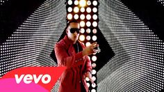 Reggaeton's first breakout artist Daddy Yankee proves why he's a star in this video 'Lovumba'