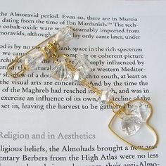 Large heart pin Crystal clear - Hijab Now