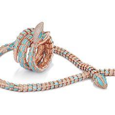 Serpenti's hypnotic spirals achieve sheer brilliance with flawless diamond pave #Bulgari #luxury #luxurylifestyle #style #fashion#luxurystyle #watch #luxurywatch #nacklace #luxurynecklace #highjewelry #serpenti