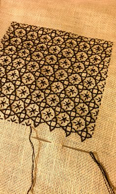 Embroidery : Blackwork design by Alicia Paulson