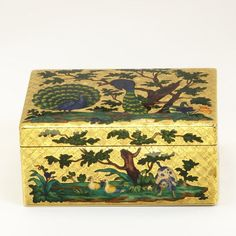 Gold box engraved and enamelled with peacocks, maker's mark for M-R Hallé, Paris, 1750-52