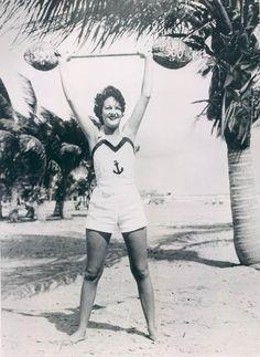Miss Florida Coconut, 1935 Miss Florida, Old Florida, Florida Vacation, Vintage Bathing Suits, Vintage Swim, Vintage Beauty, Vintage Fashion, People Photography, White Photography