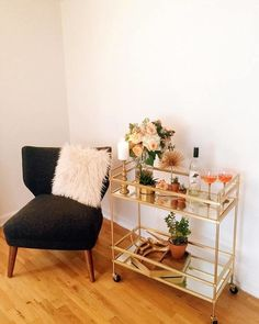 """Explore our site for even more details on """"bar cart styling"""". It is actually a great area for more information. Apartment Bar, Cute Apartment, Apartment Living, Chic Apartment Decor, Single Girl Apartment, Girls Apartment, Apartment Hacks, Apartment Goals, Home Bar Decor"""