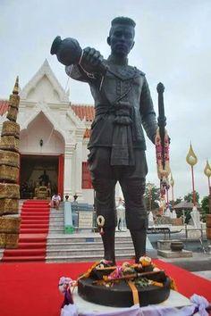 shrine of king Naresuan tje Great, Phitsanulok