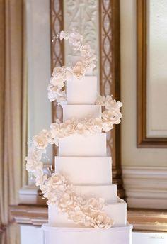 Golden Hour in 2020 Tall Wedding Cakes, Luxury Wedding Cake, Elegant Wedding Cakes, Beautiful Wedding Cakes, Wedding News, Our Wedding, Dream Wedding, Geometric Cake, Wedding Cake Inspiration