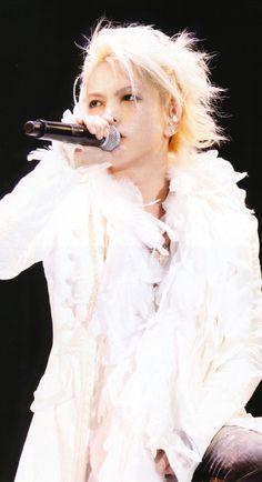 HYDE • 2011 FEB • #hyde #larcenciel #vamps #hidetotakarai #takarai