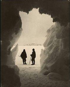 identical eye: Photographer Herbert Ponting Antarctica 1911-12