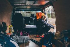 Just because you're residing in a van doesn't indicate it has to feel as if you're dwelling in a van. Along with all the terrific interior amenities, this van h...
