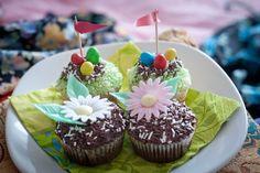 easter cupcakes Polish Cookies, Nail Polish Art, Easter Cupcakes, Nails, Desserts, Food, Finger Nails, Tailgate Desserts, Deserts