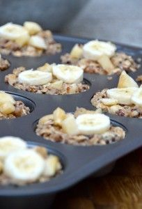 Recipe: Apple Banana Quinoa Breakfast Cups Summary: I needed to find another way to prevent my browning bananas from going to waste. These quinoa breakfast cups are delicious and filling—each one is dense, so it only takes one (or, ok, maybe two) to satis Healthy Snacks, Healthy Eating, Healthy Recipes, Easy Recipes, Quinoa Recipes Easy, Healthy Milk, Healthy Breakfasts, Milk Recipes, Clean Recipes