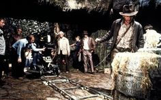 Behind the scenes of Raiders of the Lost Ark: That's noted Indiana Jones stunt double Vic Armstrong standing to the left of Harrison Ford Famous Movies, Iconic Movies, Popular Movies, Classic Movies, Harrison Ford, Raiders, Hollywood, Indiana Jones Films, Star Wars